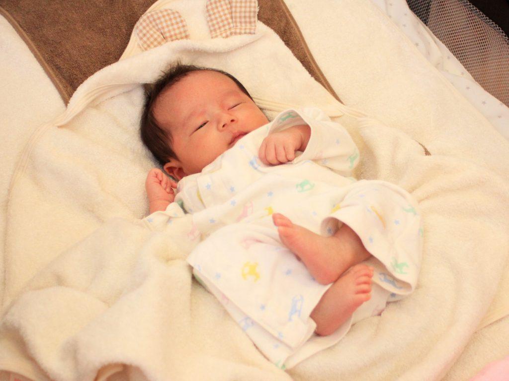 レッスン スグネで寝ている赤ちゃんの姿勢