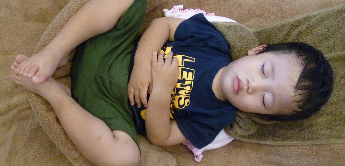 3才児でも丸く寝る